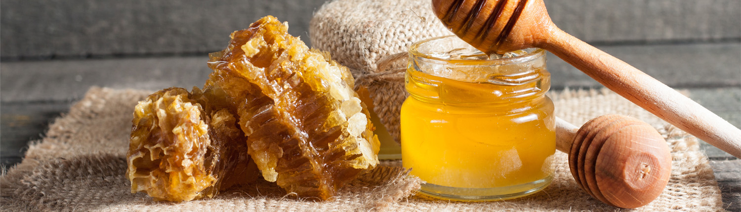Honey jar and honeycomb